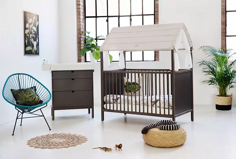 Gordijnen Babykamer Donker : Babykamer donker hout yogaplaya