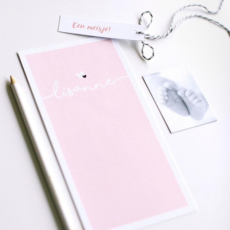 Geboortekaartje Roze label met hartjes