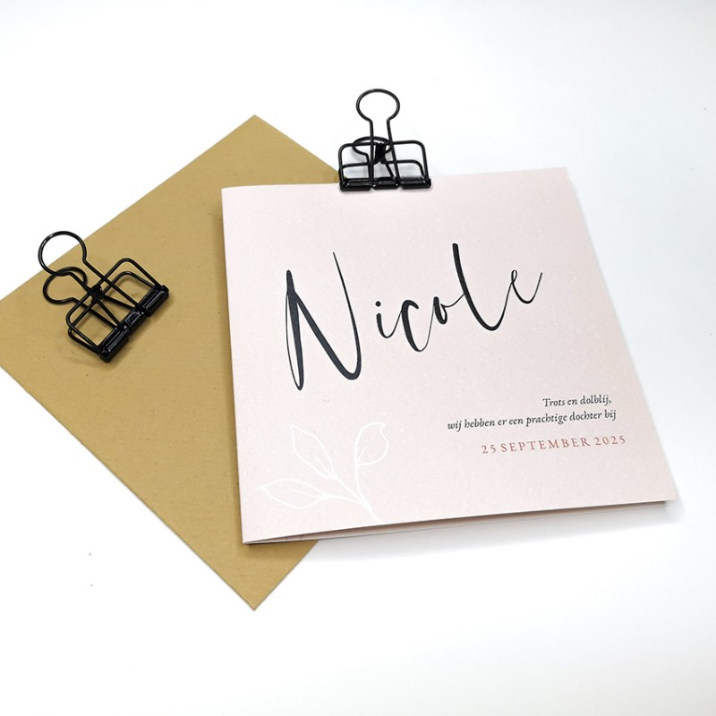 Geboortekaartje Roze met typografie