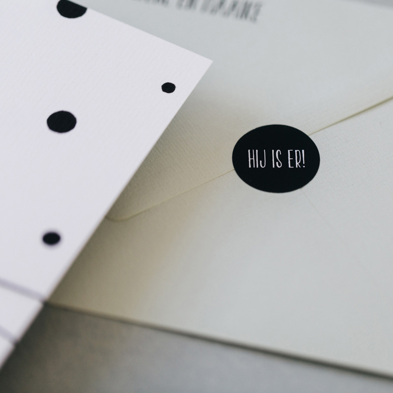 Geboortekaartje zwart-wit confetti