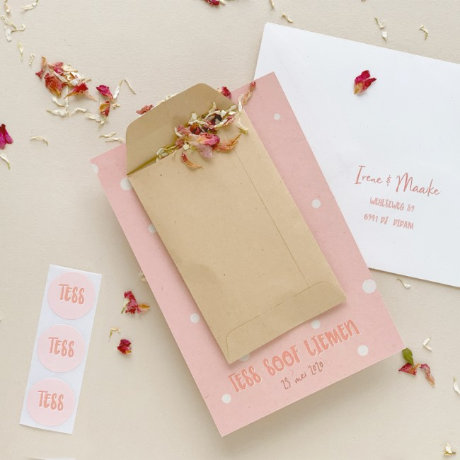 Geboortekaartje met échte bloemblaadjes