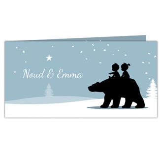Geboortekaartje tweeling op beer in sneeuw